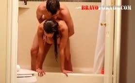 Amateure ficken im Badezimmer