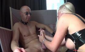 Hardcore Porno mit zwei Schlampen